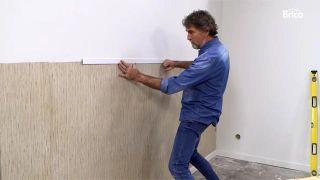 Cómo empapelar una pared de dos formas distintas - Paso 10