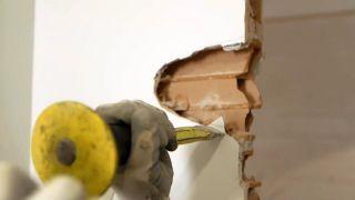 Cómo instalar una puerta metálica - Paso 3
