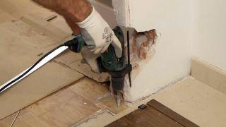 Cómo instalar una puerta metálica - Paso 4