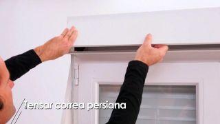 Cómo tensar la correa de la persiana