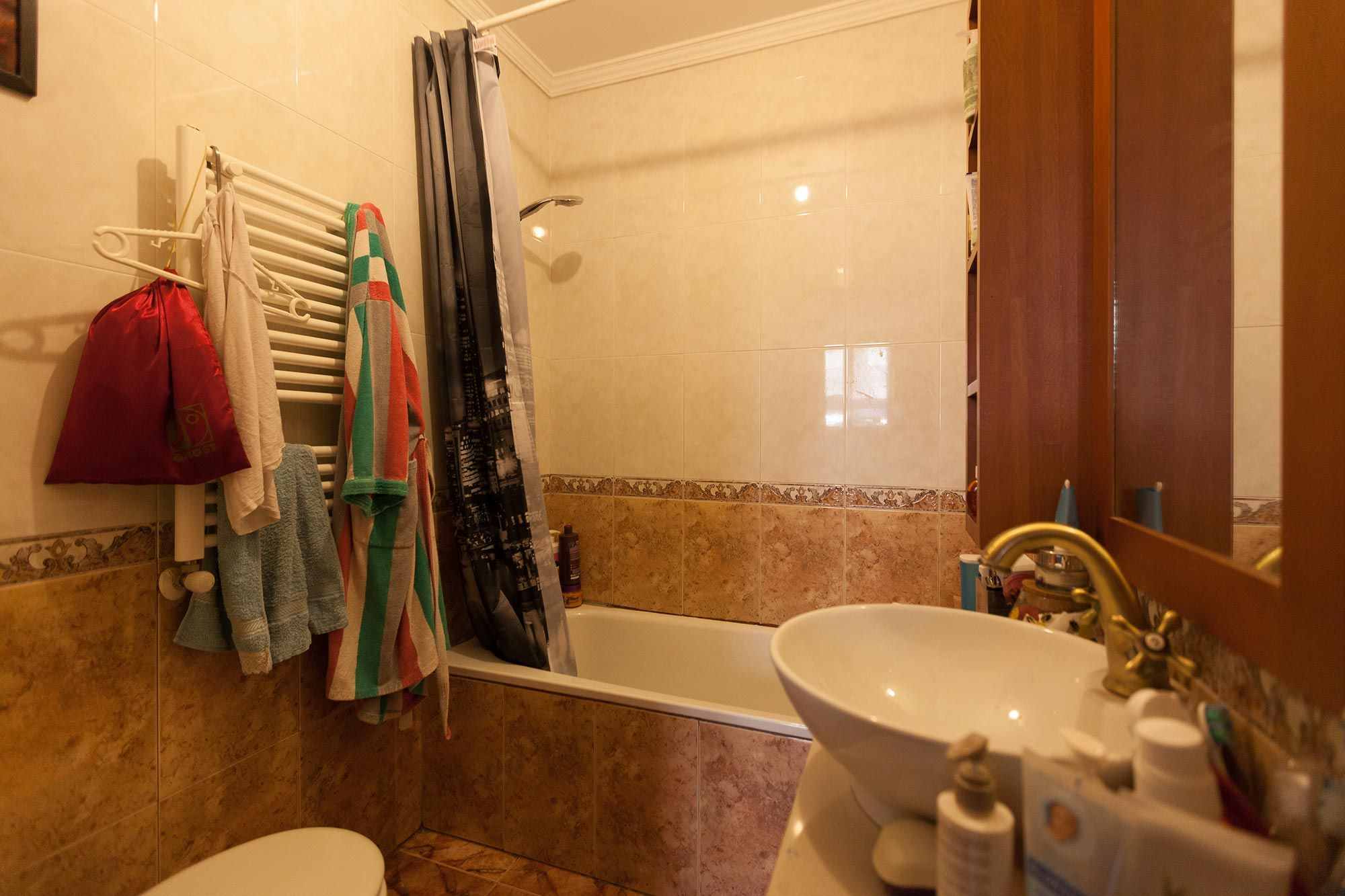 renovar baño luminoso y funcional - antes