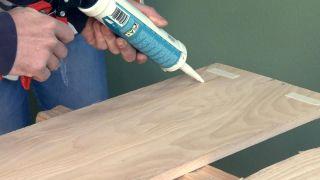 Revestir la pared con madera de pino  - Paso 4