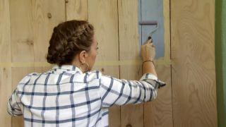 Revestir la pared con madera de pino - Paso 7