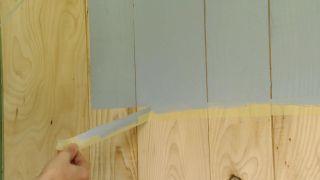 Revestir la pared con madera de pino  - Paso 8