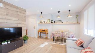 Decorar salón comedor con cocina abierta en madera