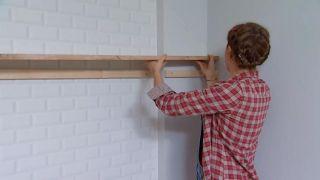 Decorar salón comedor con cocina abierta en madera - paso 6
