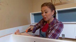 decorar un dormitorio infantil con escritorio y friso de madera - paso 1
