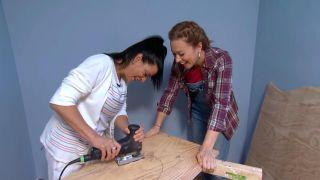 decorar un dormitorio infantil con escritorio y friso de madera - paso 4