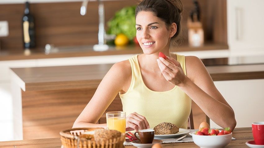 El desayuno nos aporta energía y acelera el metabolismo.