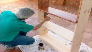 Cómo barnizar superficies de madera