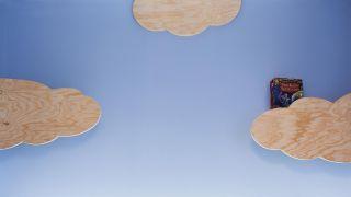 Crear baldas de madera con forma de nubes