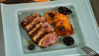 Magret de pato con boniato y salsa de oporto