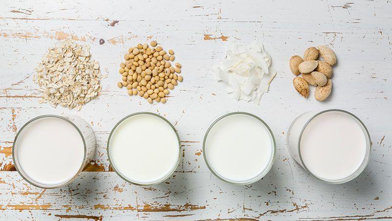 Hay tantas variedades de quesos veganos como leches vegetales (de soja, almendras, avena…).
