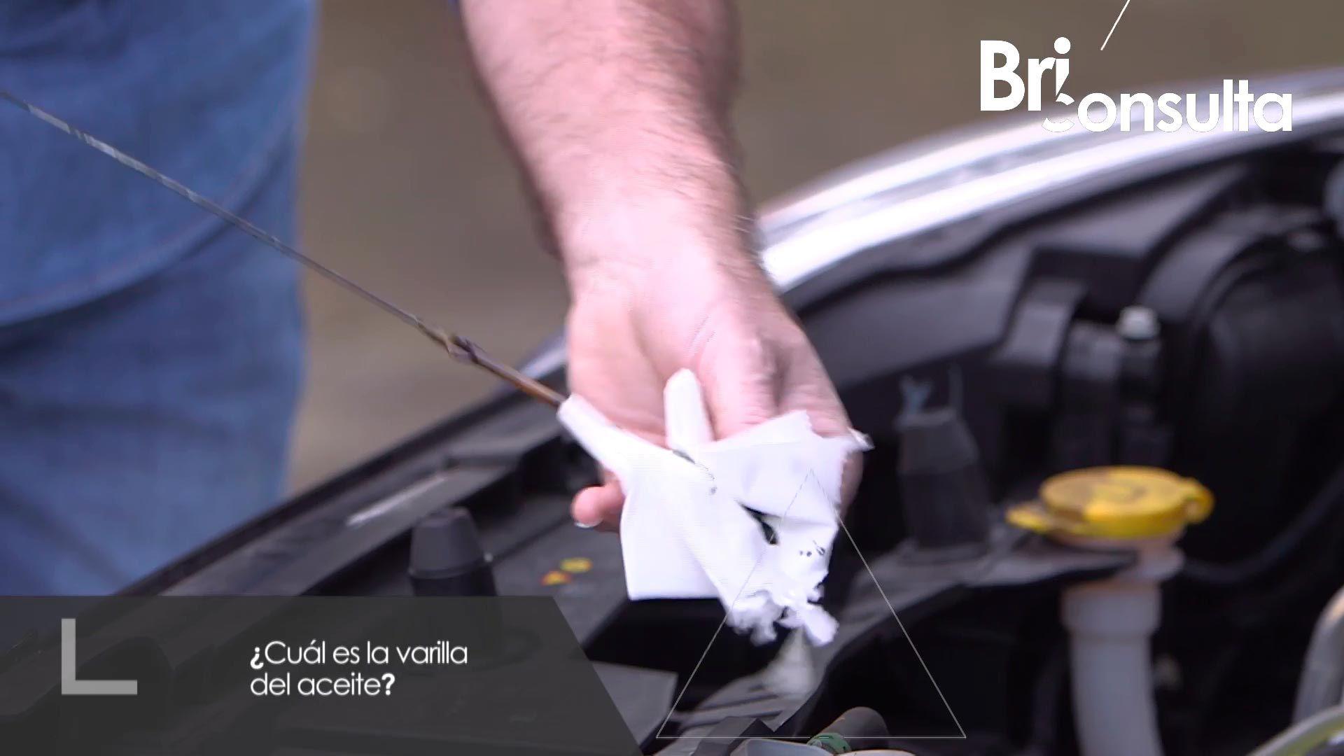 Cómo comprobar el nivel de aceite del coche