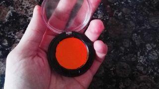 Cómo arreglar sombra de ojos rota paso 5