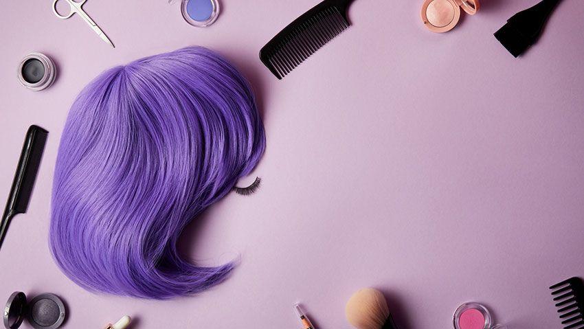 peluca morada
