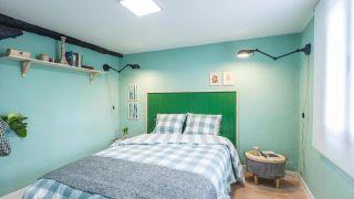 Dormitorio campestre verde aguamarina