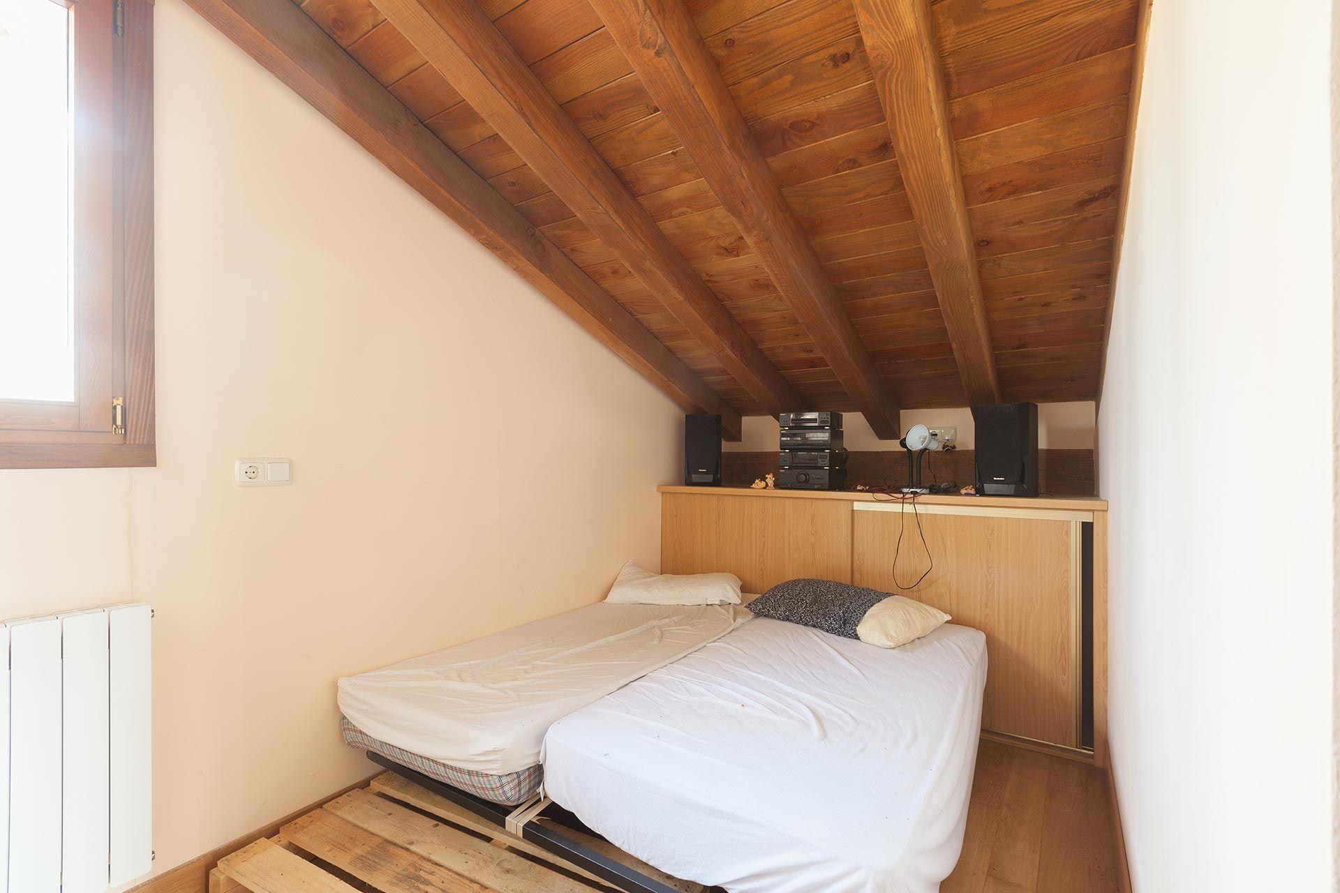 Habitación de invitados en ático