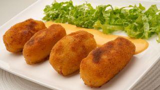 Croquetas de patata, txistorra y queso