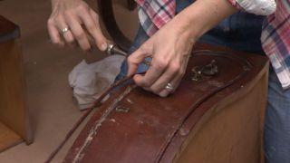 Reciclar una cómoda vintage de estilo señorial y barroco paso 2
