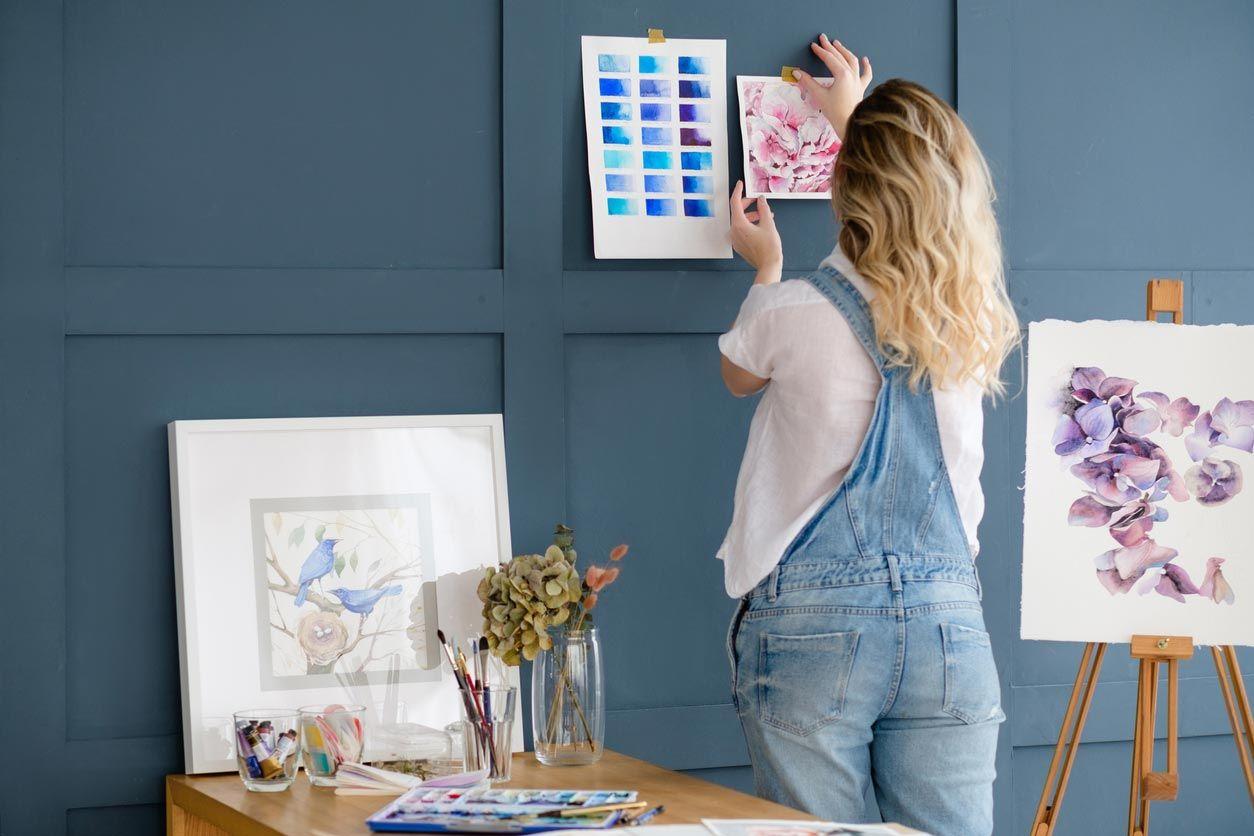 Decorar la pared de tu habitación con tus propios dibujos