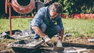 Cómo instalar un desagüe y una arqueta en el jardín