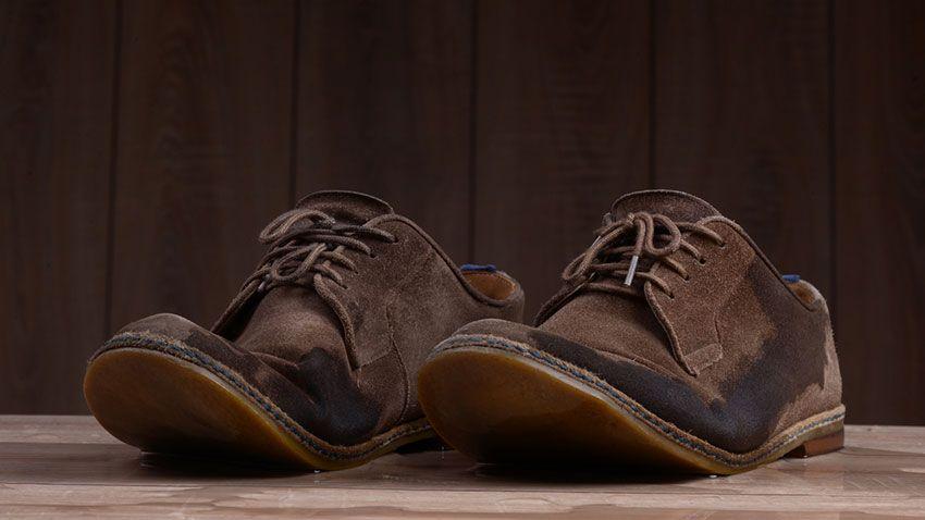 Limpiar calzado ante
