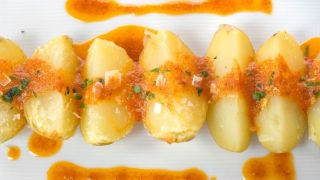 Patatas asadas con mojo picón