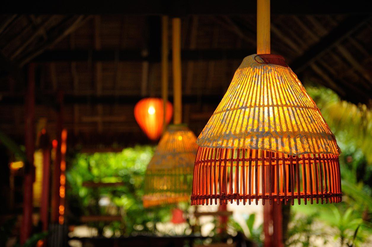 Lámpara de bambú.