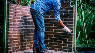 Cómo hacer un muro con ladrillo caravista