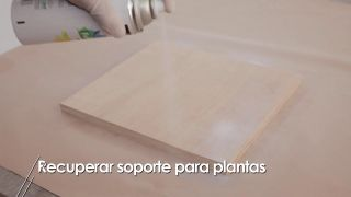 Arreglar soporte de madera para plantas