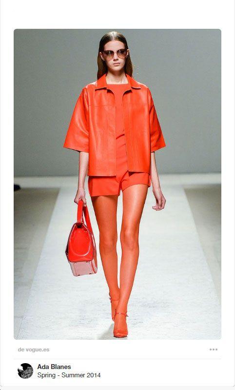 Look monocromático naranja
