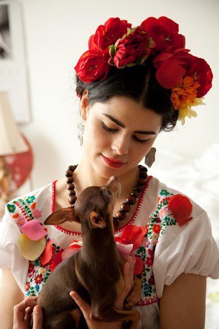 Cómo hacer un disfraz de Frida Kahlo