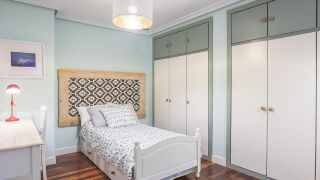 Dormitorio verde fresco de estilo étnico