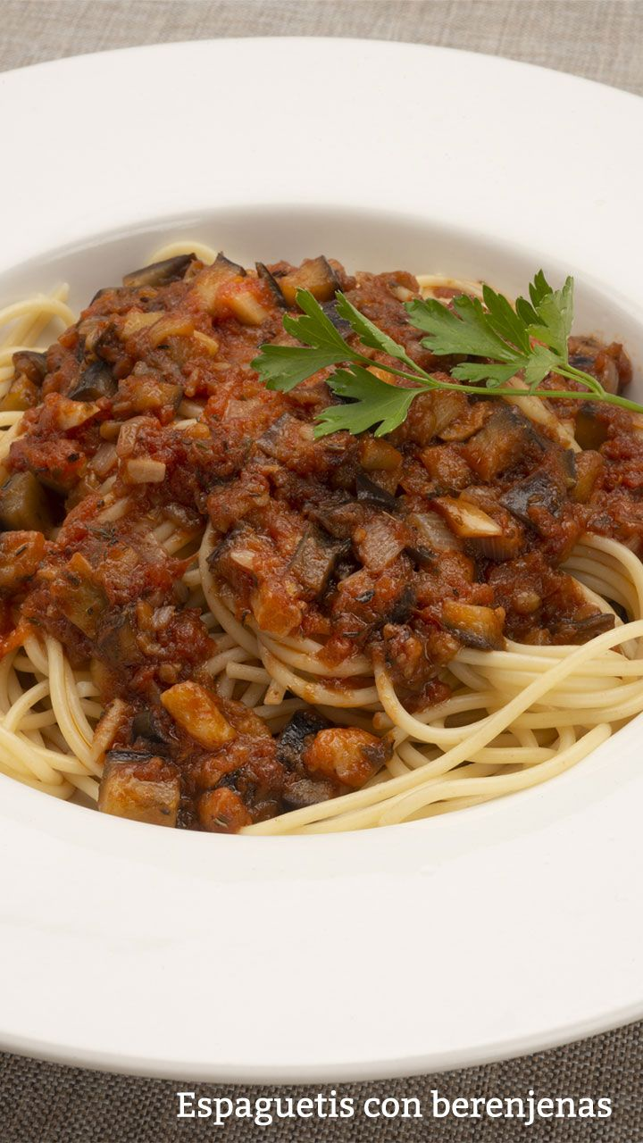 Espaguetis con berenjenas