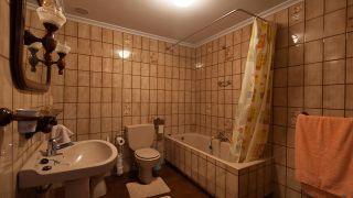 Decorar baño sin obra en blanco y madera- antes