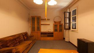 Salón renovado, actual y elegante - antes