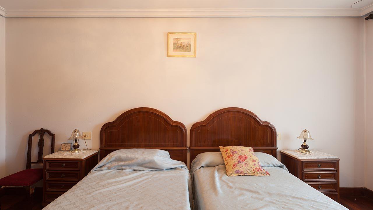 Dormitorio casa rural antes