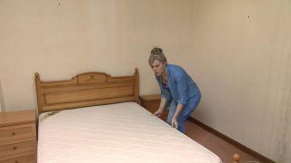 Dormitorio verde con decoración musical sin obra paso 1