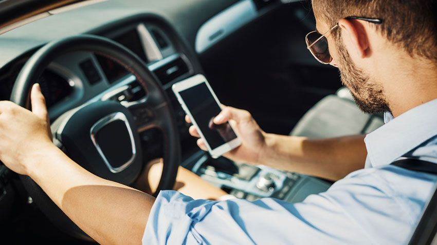 Utilización del móvil mientras se conduce