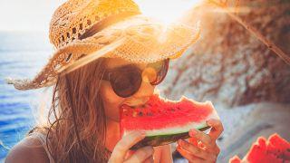 ¿Qué comer y beber para combatir el calor?