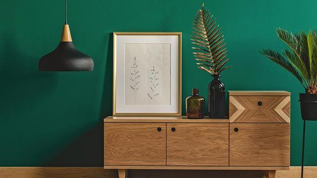 Muebles con detalles geométricos.