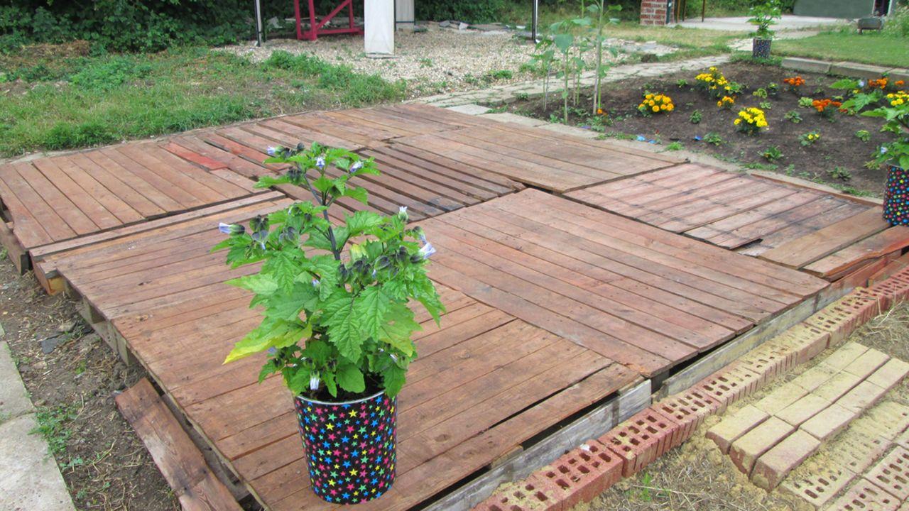 Suelo para la terraza del jardín