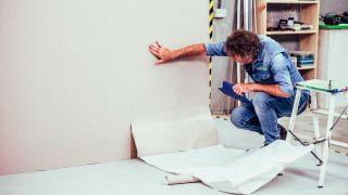 Cómo hacer una falsa pared