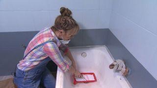 Cómo pintar una bañera deteriorada paso 1