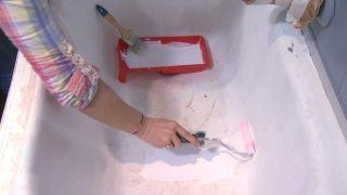 Cómo pintar una bañera deteriorada paso 2