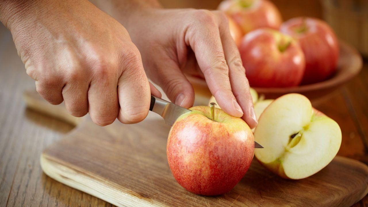 Cortar manzana.
