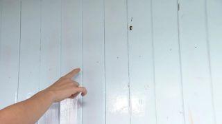 Tapar vetas, agujeros e imperfecciones de la madera con pintura poco cubriente paso 1