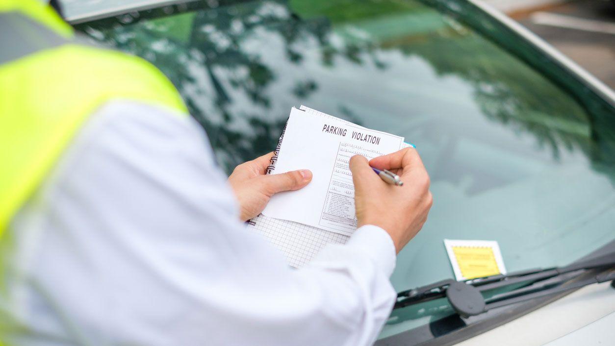 ¿Cómo recurrir una multa de aparcamiento?