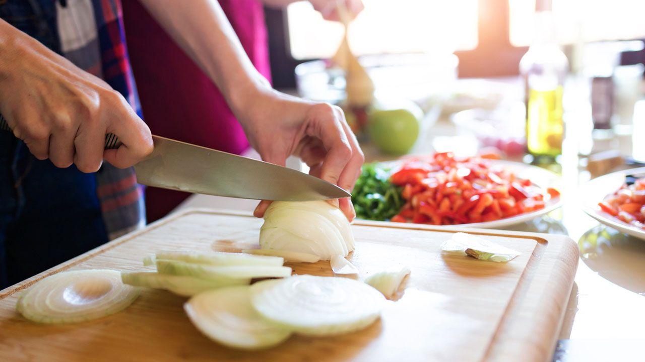 ¿Por qué lloramos al cortar cebolla?